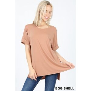 - SAMMY ROUND NECK TEE EGG SHELL
